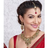 Vivaah Exclusive Choker Pink & Green Necklace Set With Maang Tikka